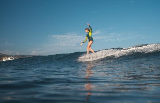Surfing_Girls